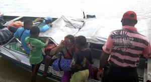 Las llamadas pangas, las barcazas para el transporte de personas por el río Atrato (P.S.)